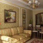 Картины в интерьере гостиной в классическом стиле