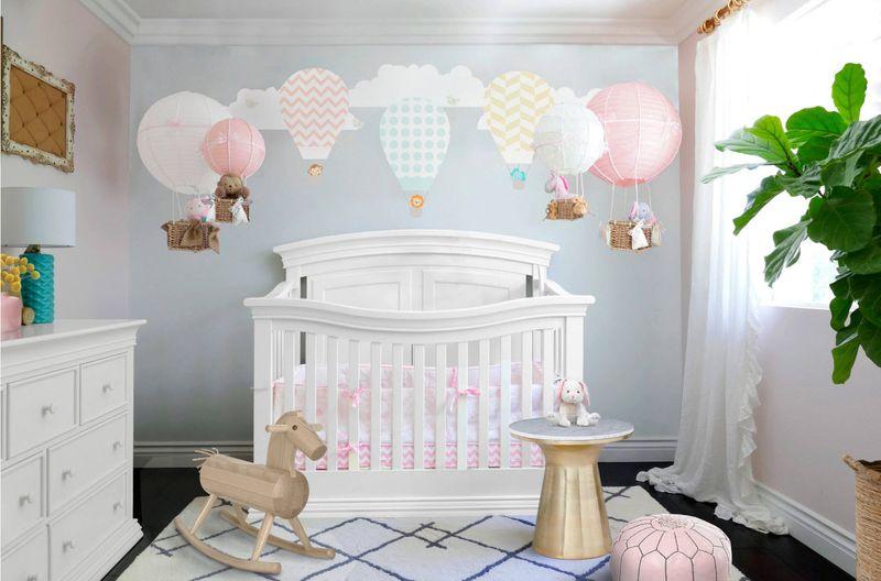 Оформление детской комнаты для новорожденного с растениями