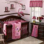 Оформление детской комнаты новорожденного кровать из массива дерева