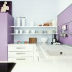 Нежно-фиолетовая кухня с мойкой