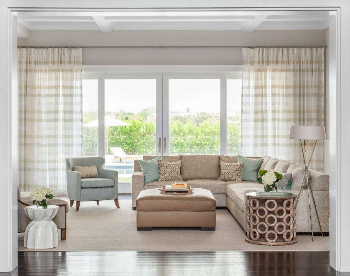 шторы в гостиной оформление