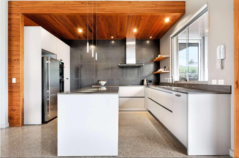 отделка кухни плиткой