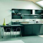 элитный дизайн кухни темный гарнитур