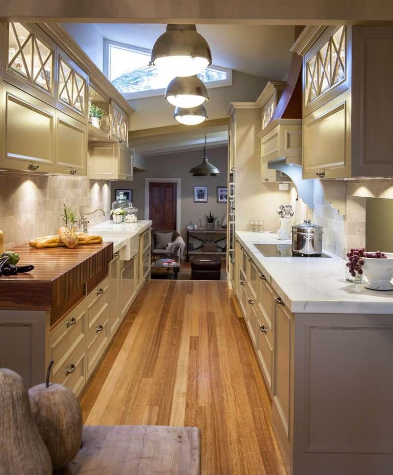 узкая кухня декор фото