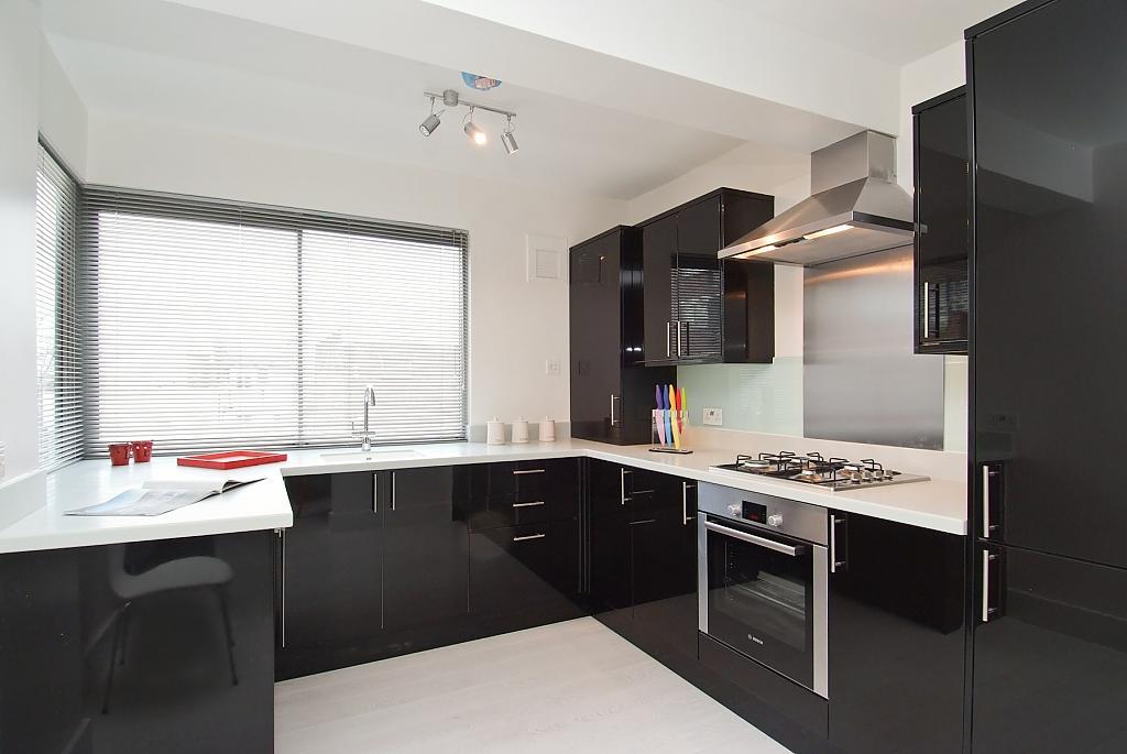 декор окна на кухне дизайн фото
