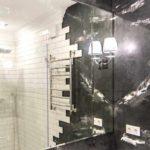 идея применения красивой декоративной штукатурки в дизайне ванной комнаты картинка