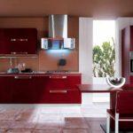 пример необычного стиля красной кухни фото