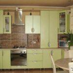 вариант яркого декора кухни с газовым котлом фото