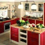 идея светлого декора красной кухни фото