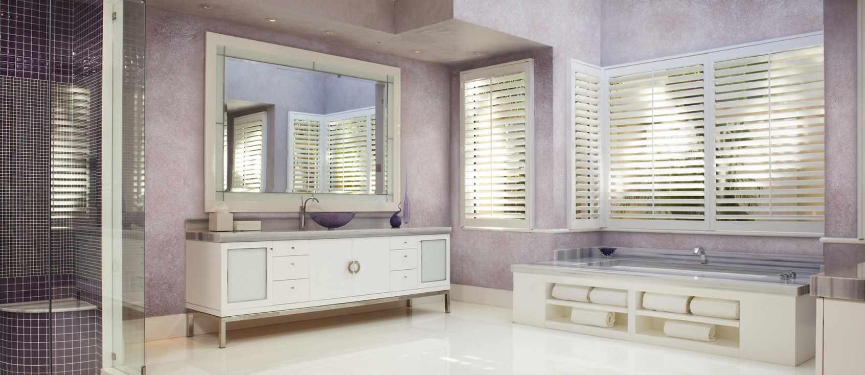 идея применения необычной декоративной штукатурки в интерьере ванной комнаты