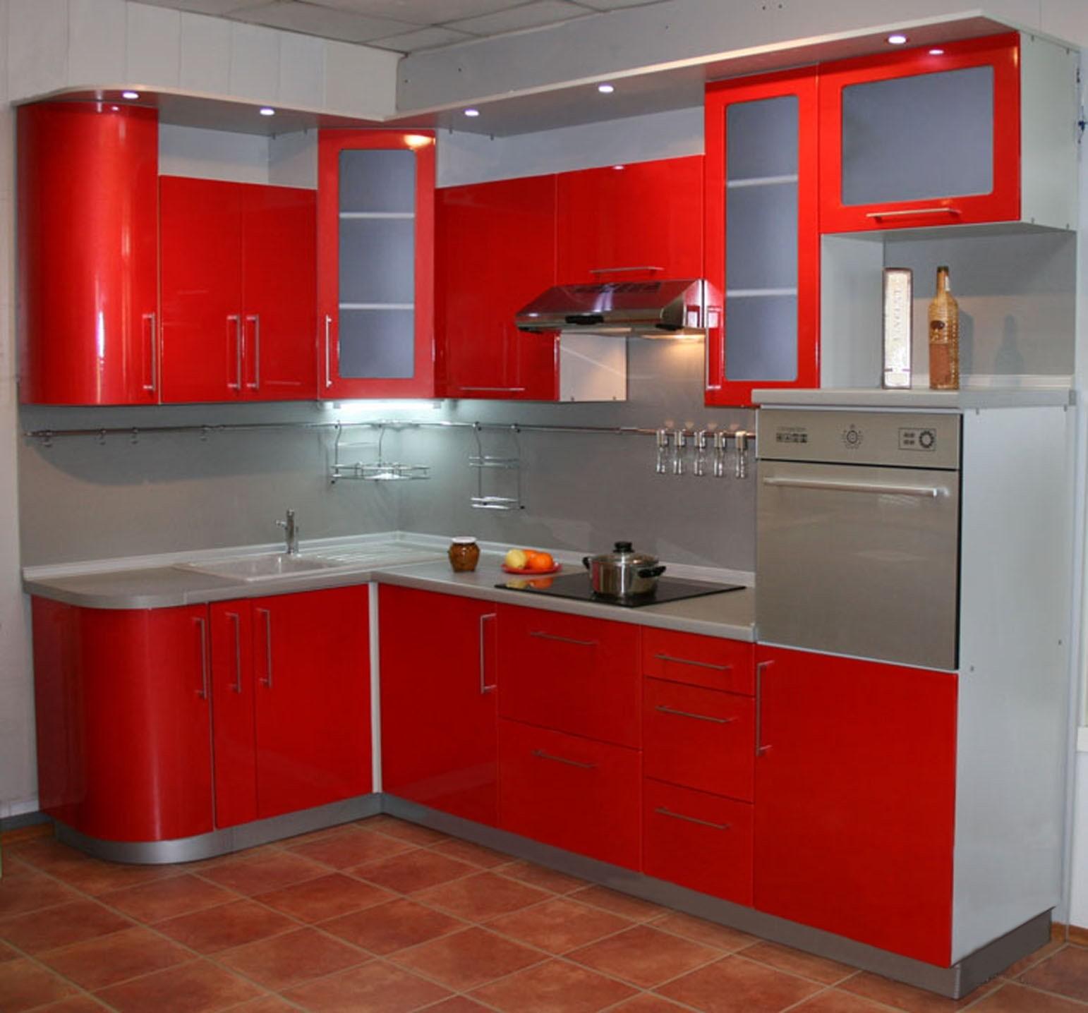 пример светлого стиля угловой кухни