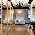 идея красивого интерьера прихожей комнаты в частном доме фото