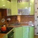идея светлого интерьера кухни с газовым котлом картинка