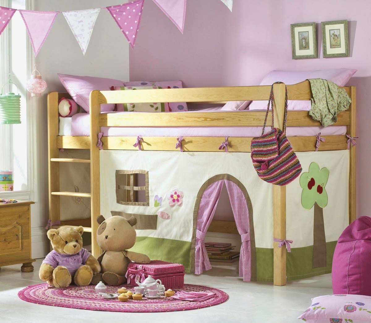 пример необычного дизайна спальни для девочки