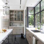 идея яркого стиля кухни фото
