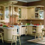 пример светлого дизайна кухни картинка