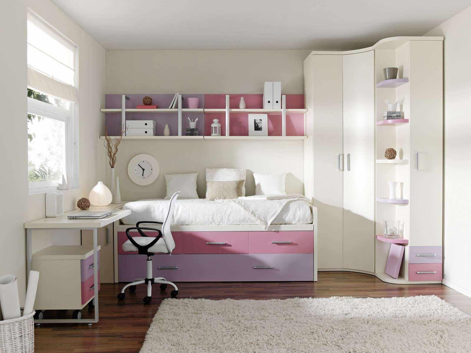 пример светлого декора спальной комнаты для девочки