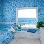 вариант светлого дизайна ванной комнаты картинка