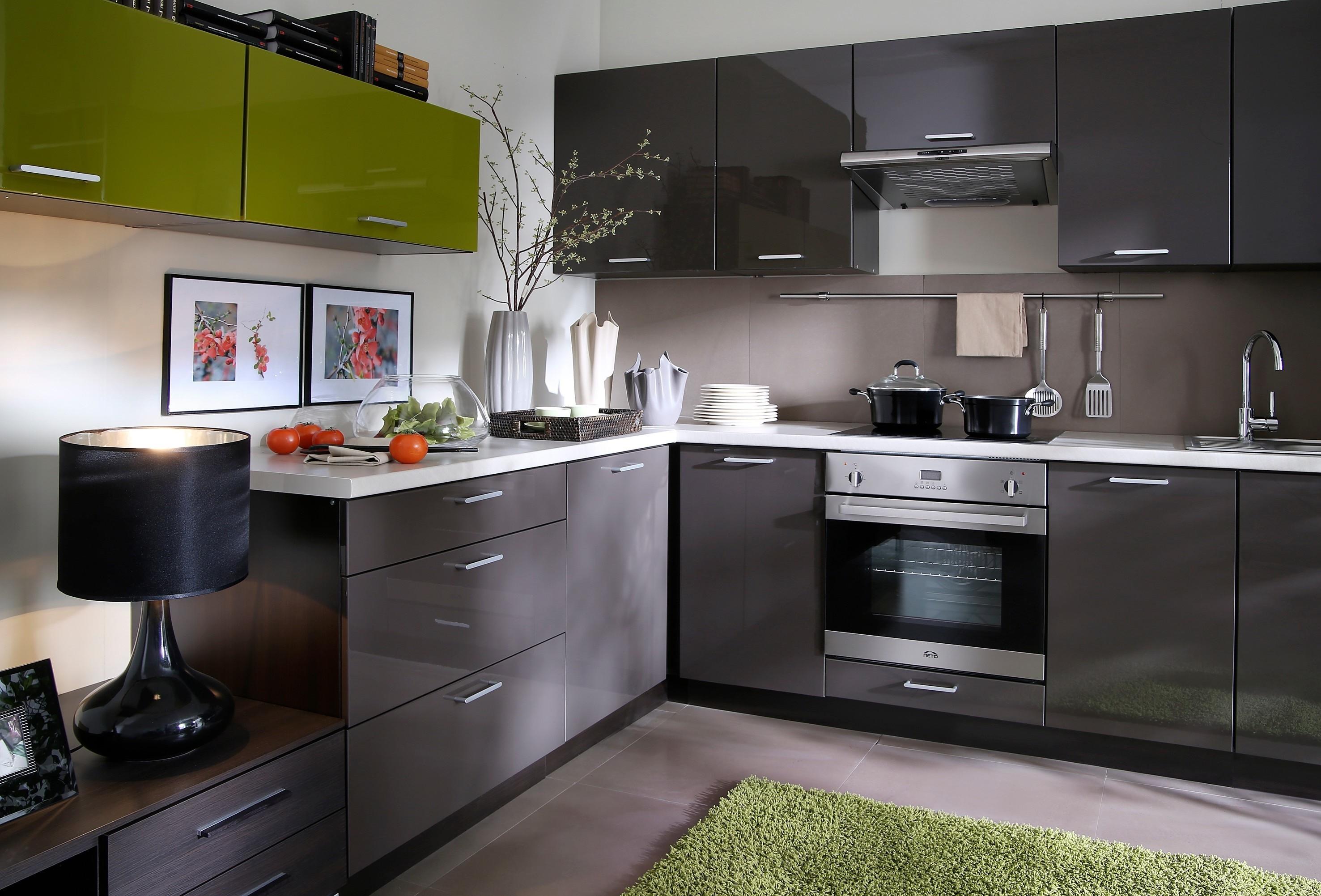 пример красивого дизайна угловой кухни