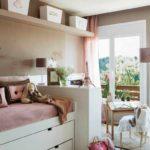 вариант яркого дизайна спальной комнаты для девочки фото