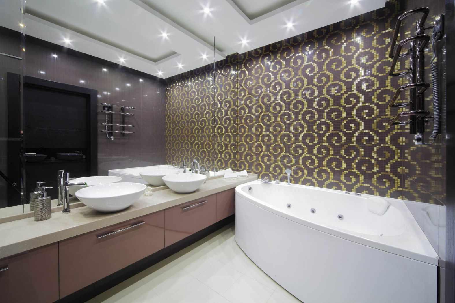 пример необычного дизайна ванной комнаты