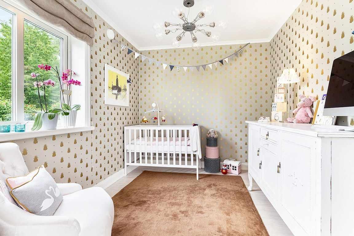 пример светлого интерьера детской комнаты