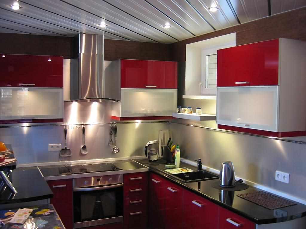 идея красивого дизайна красной кухни