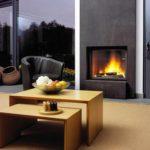 пример использования яркого стиля гостиной комнаты с камином картинка