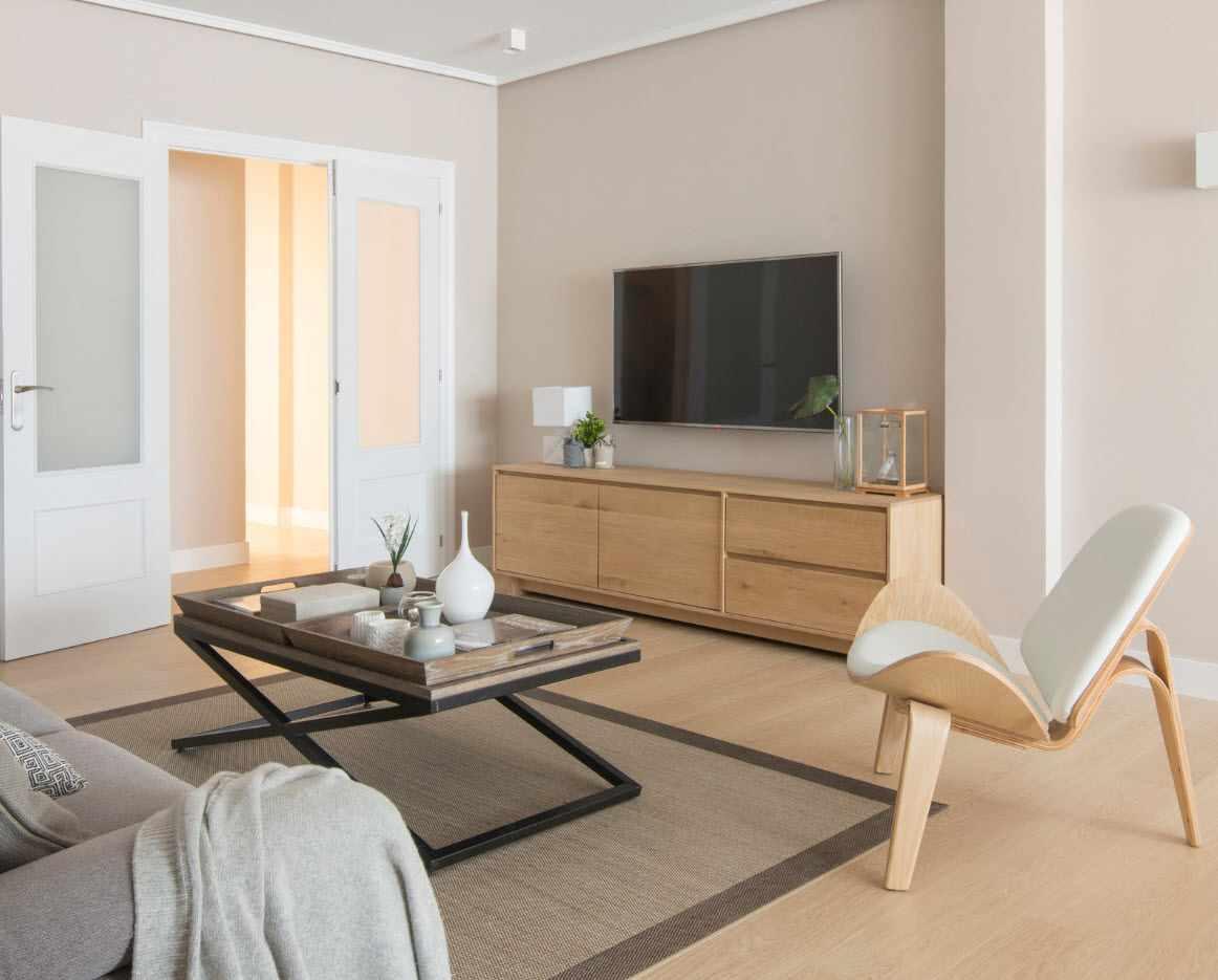 идея светлого дизайна гостиной комнаты 2018