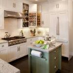 Кухонный остров в стиле прованс