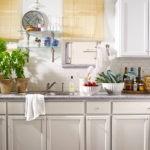 интерьер светлой кухни в пастельных оттенках