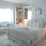 Романтическая комната в светлых оттенках