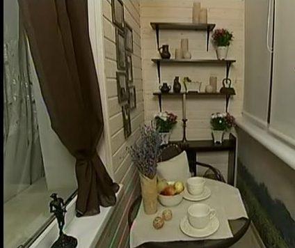 Балкон в виде кафе