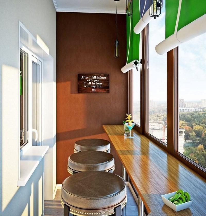 Интерьер утепленного балкона с барной стойкой
