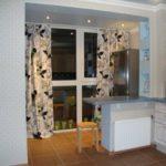 Единое оформление кухонной зоны с балконом