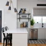 Минималистичный интерьер кухни частного дома