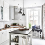 Кирпичная стена в дизайне кухни