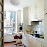 Фото небольшой кухни с линейной планировкой