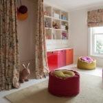 Мягкие пуфы в детской комнате