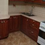 Главная задача при создании кухонного интерьера – превратить лишнюю конструкцию в полезную вещь