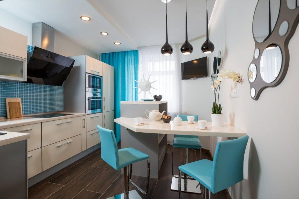Голубой цвет в интерьере кухни площадью в 10 квадратов