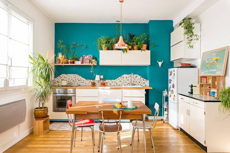 Декорирование кухни частного дома живыми растениями