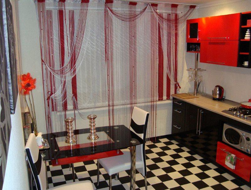 Черный и красный цвета в оформлении кухонного пространства