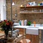 Полка для бокалов на кухне в стиле лофт