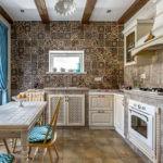 Оформление стены кухни мозаикой