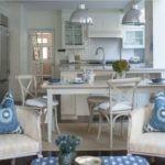 Декоративные подушки в интерьере кухни