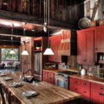 Кухонный гарнитур из красного дерева