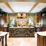 Кухня из натурального дерева венге в стиле кантри