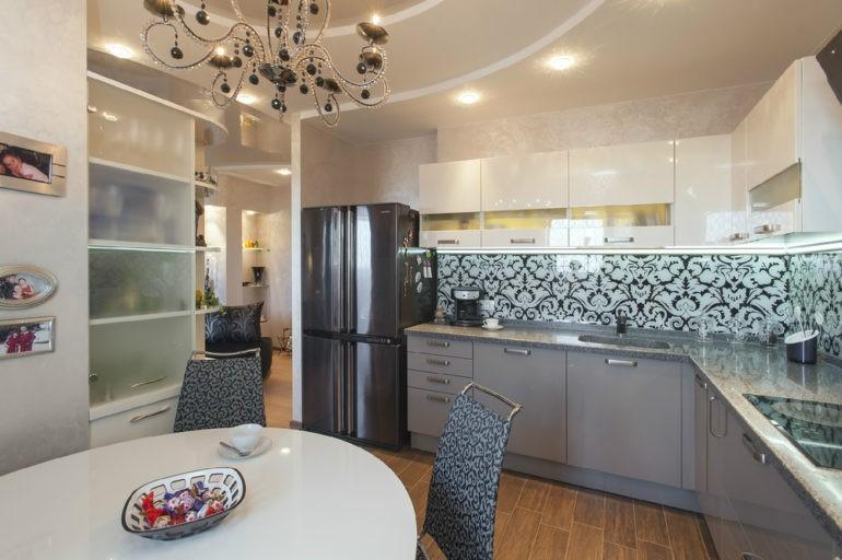 Дизайн кухни в смешанном стиле