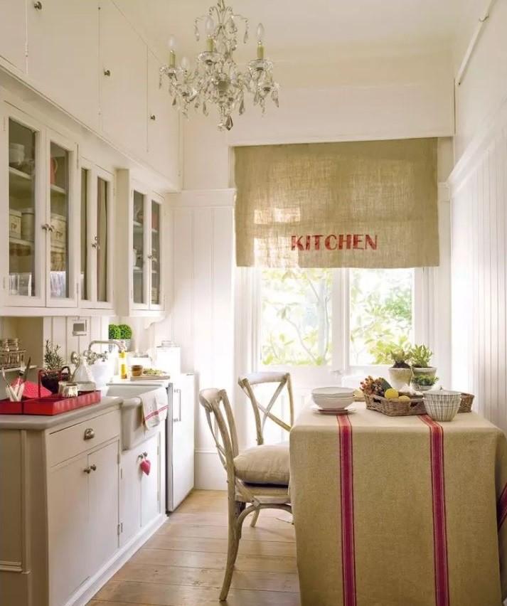 Оформление кухни частного дома в деревенском стиле